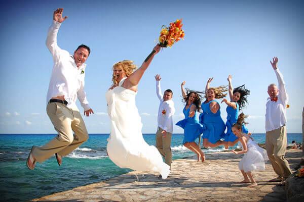 artistic wedding group cozumel photography